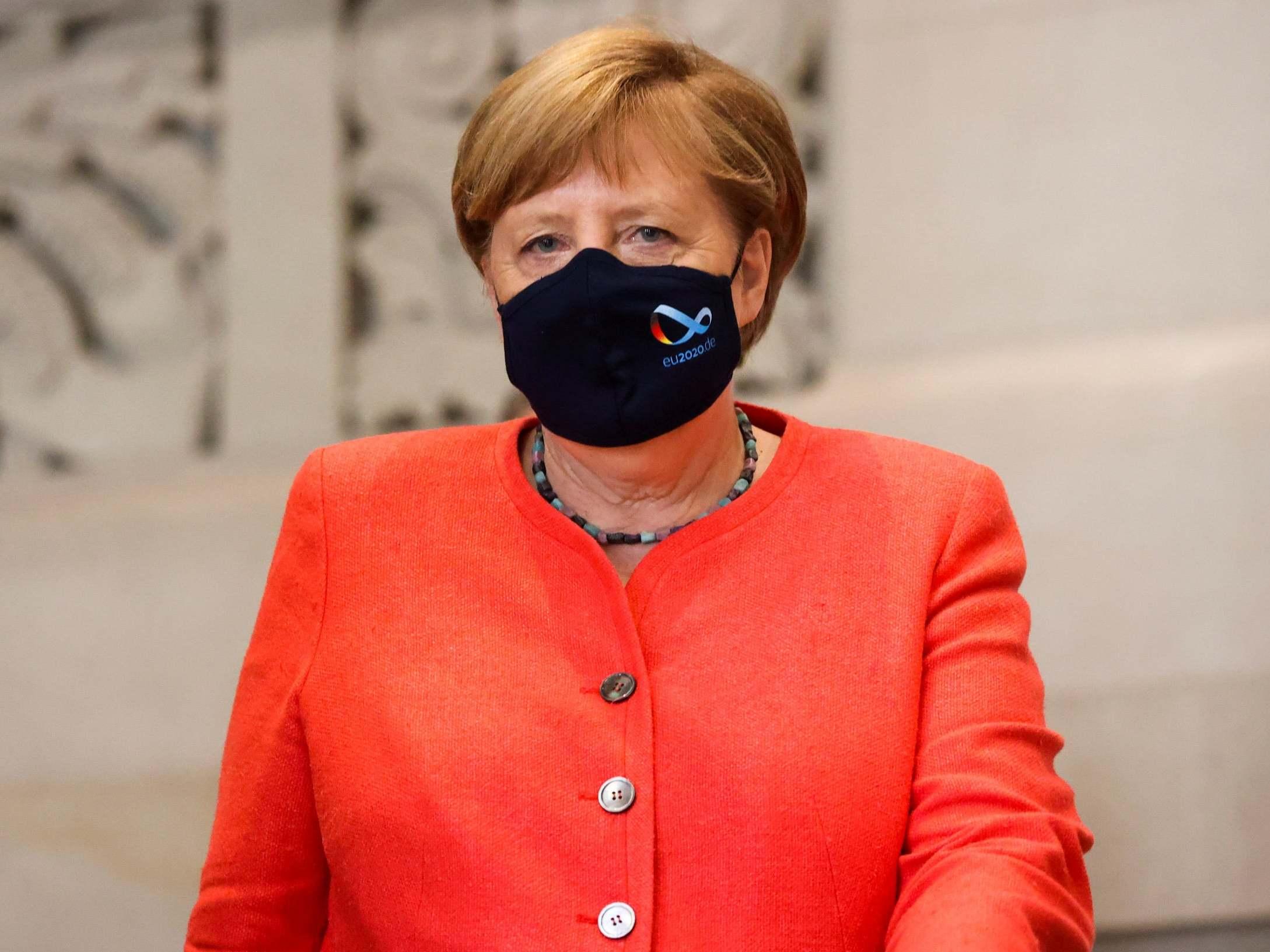 Merkel dice que la UE debe prepararse para un Brexit sin acuerdo