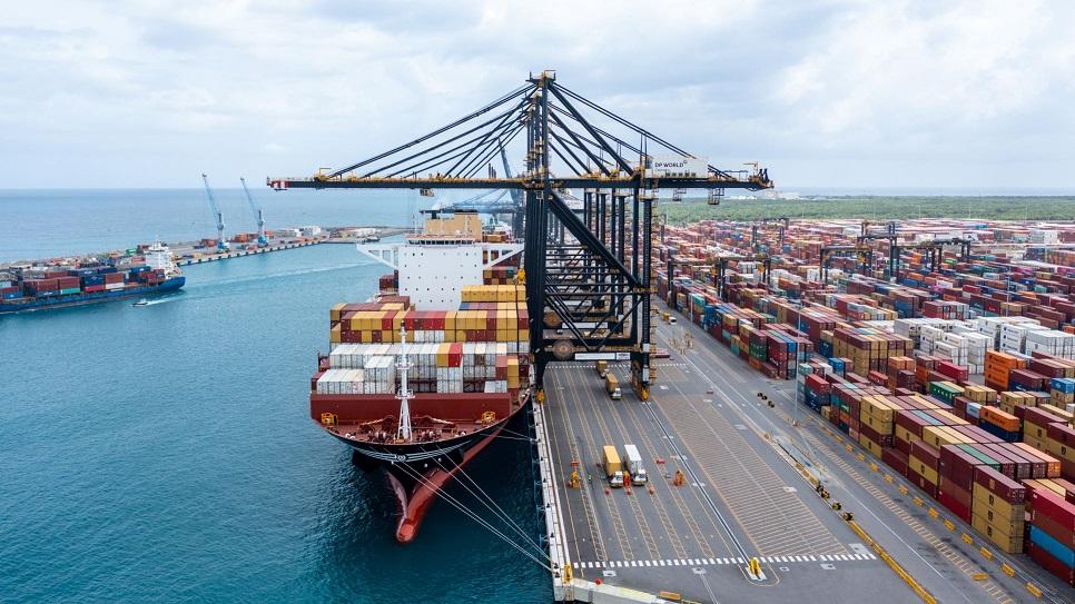 Llegada de buque de 15,000 TEUS evidencia incremento de la competitividad de RD